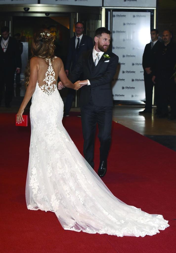 Antonela Messi Rosa Clara wedding dress